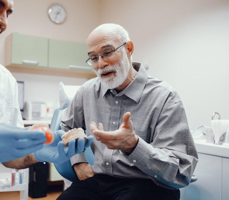Conoce los distintos tipos de implantes dentales